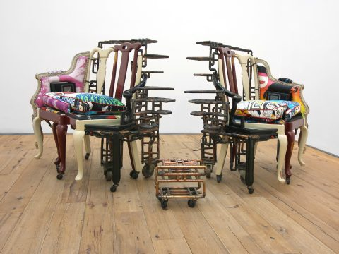MARC-STRAUS-STEREO-LOVE-SEATS-Installation-02