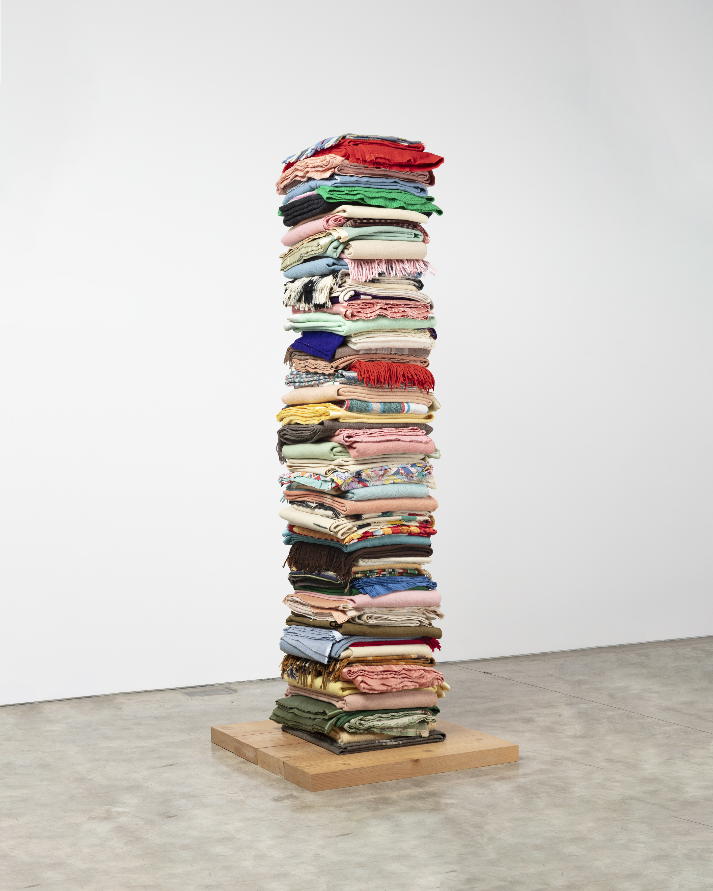 2016 Folded blankets, steel poles, wooden base 102 x 33 1/2 x 34 inches (259.1 x 85.1 x 86.4 cm) - Marc Straus Gallery